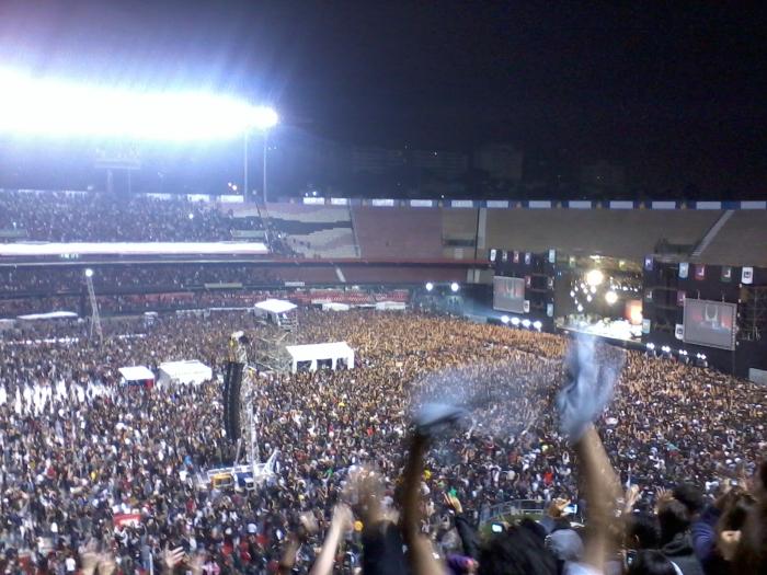O segundo show do Pearl Jam no Morumbi, em novembro de 2011: aula de rock! https://colunademusica.wordpress.com/2011/11/05/pearl-jam-morumbi-sao-paulo-04112011-aula-de-rock/
