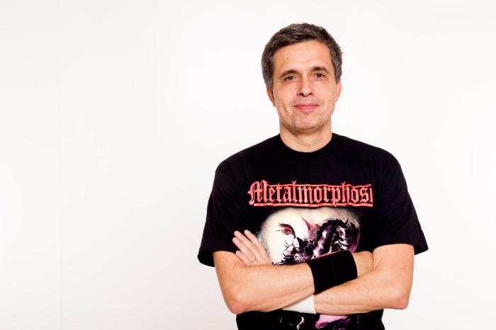 Marcos Dantas agora veste (literalmente) a camisa do Metalmorphose FOTO Cintia Ventania