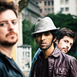 Aroop Roy + Ricardo Kudla + Rossano Snel = Tropical Lips FOTO Vinicius Mania