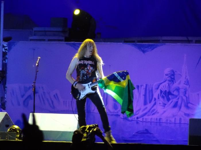 Janick Gers, um dos três guitarristas do Iron. E 'figura'!