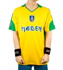 MAIDEN BRAZIL: camiseta comemorativa da turnê, à venda no site oficial da banda: http://www.ironmaiden.com/maiden-brazil-football-shirt.html