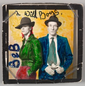 1974: David Bowie e William Burroughs. FOTO: Terry O'Neill. IMAGEM © Victoria and Albert Museum