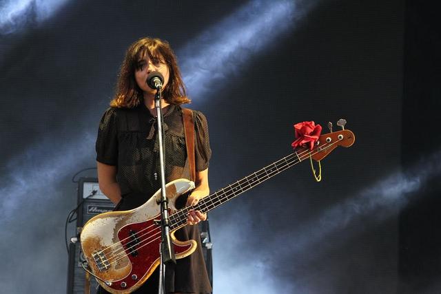 Paz Lenchantin, baixista do Pixies. FOTO: Mila Maluhy. Divulgação / T4F: https://www.flickr.com/photos/lollapaloozabr/