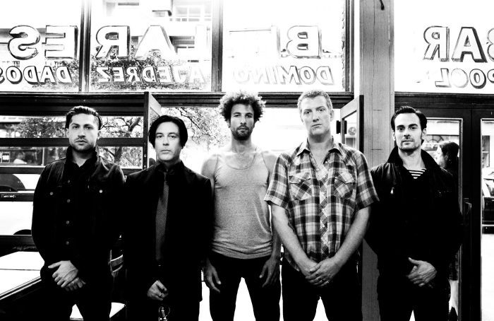 241973_463247_qotsa_2013_press_shot